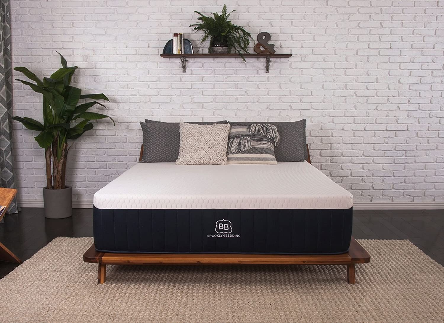 Best Extra Firm Mattress: A Complete 2020 Buyer's Guide