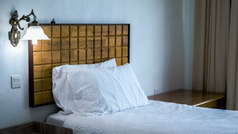The 5 Best Bamboo Pillows to Get a Good Night's Sleep (2021)