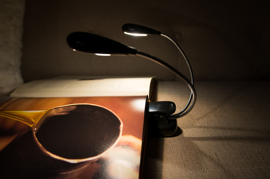 Best Book Lights for Reading in Bed: 2020 Reviews